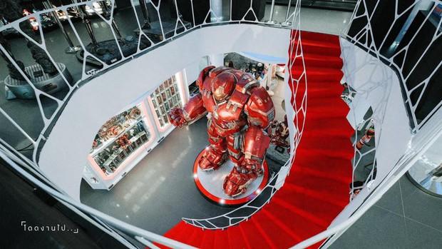 Muôn kiểu fan Marvel: Cuồng đến mức mở hẳn quán cà phê chứa đầy mô hình tiền tỷ! - Ảnh 6.