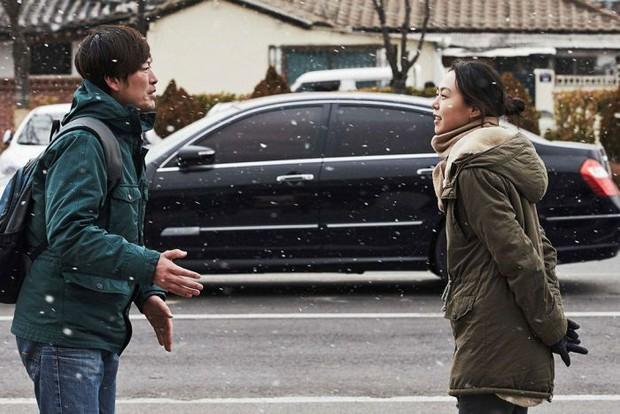 Kim Min Hee và đạo diễn già Hong Sang Soo: Cặp đôi ngoại tình bị nước Hàn ghét bỏ tự làm phim khóc cuộc tình mình? - Ảnh 9.