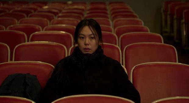 Kim Min Hee và đạo diễn già Hong Sang Soo: Cặp đôi ngoại tình bị nước Hàn ghét bỏ tự làm phim khóc cuộc tình mình? - Ảnh 12.