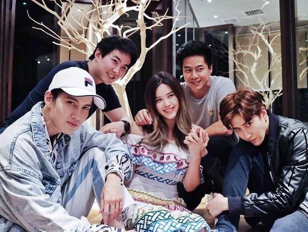 5 anh em nhà nam thần Thái Lan Mike Angelo: Toàn đẹp cực phẩm, học trường nhà giàu, có người cực giống Jin (BTS) - Ảnh 10.