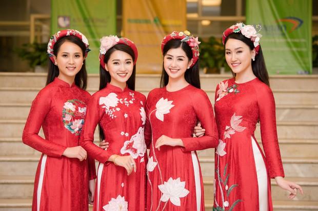Phương Nga diện áo dài nền nã, thân thiết khi đụng độ bạn gái màn ảnh của Bình An - Ảnh 11.