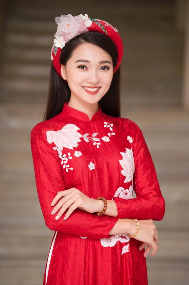 Phương Nga diện áo dài nền nã, thân thiết khi đụng độ bạn gái màn ảnh của Bình An - Ảnh 8.
