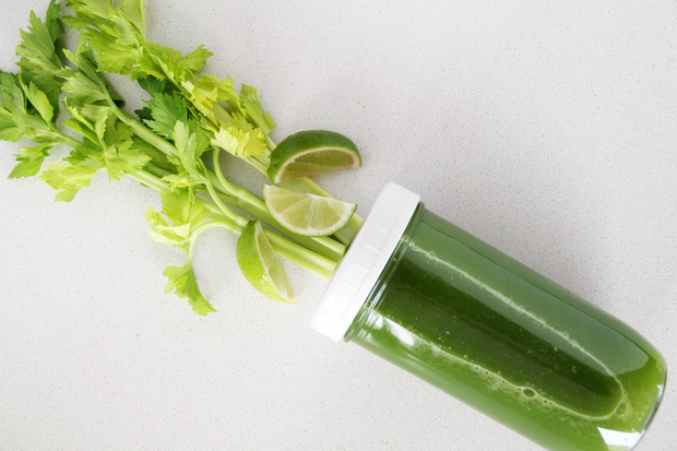 Mách bạn 5 công thức nước ép cần tây đẹp da đẹp dáng, vừa đơn giản vừa cực dễ tìm nguyên liệu - Ảnh 1.
