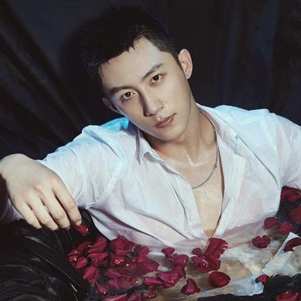 Netizen Trung khen phim mới của Hoàng Cảnh Du nức nở, quên luôn phốt ngoại tình chưa nguội - Ảnh 3.