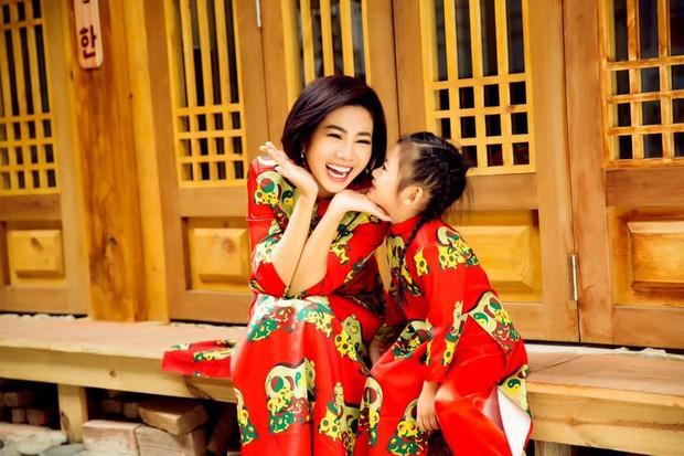 Mai Phương hạnh phúc khoe con gái 5 tuổi đã cực tâm lý, biết tặng hoa trong Ngày của mẹ - Ảnh 6.