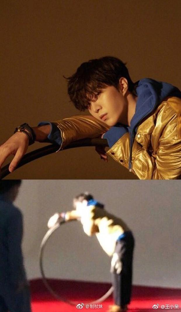 Ảnh của Lâm Canh Tân hot nhất Weibo hôm nay: Hoá ra để có 1 khoảnh khắc đẹp thì hình tượng lại thảm thế này! - Ảnh 4.