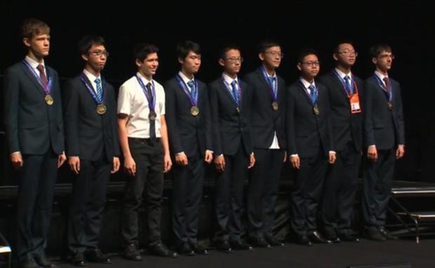 100% thí sinh Việt Nam đạt giải tại Olympic Vật lí châu Á 2019 - Ảnh 1.