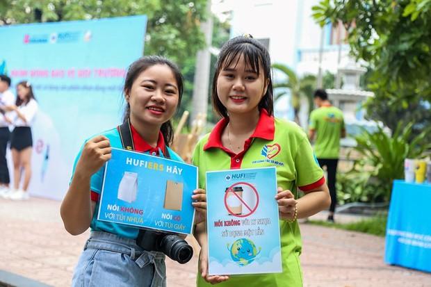 Một trường ĐH tại TP.HCM cấm sinh viên dùng ống hút và ly nhựa - Ảnh 2.