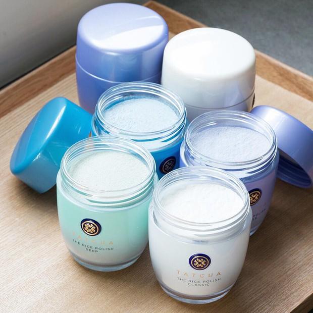 Da có thể đẹp lên chỉ từ bước làm sạch và đó là lý do mà bạn nên dùng thử sản phẩm này thay cho sữa rửa mặt truyền thống - Ảnh 7.