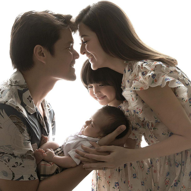 Mỹ nhân đẹp nhất Philippines khoe ảnh cả gia đình đẹp như tác phẩm nghệ thuật, nhan sắc 2 đứa con đặc biệt gây bão - Ảnh 2.