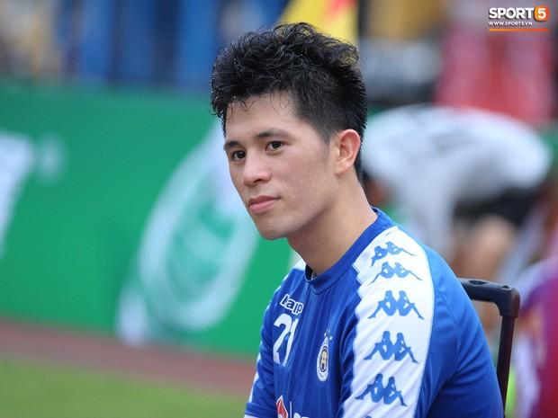 Quên đi chiếc thẻ đỏ cay đắng, Đình Trọng tập luyện hăng say chuẩn bị đối đầu Tampines Rovers ở AFC Cup - Ảnh 1.
