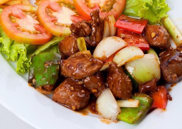 Việt Nam có mấy món thịt bò tăng động, nghe cái tên là thấy khó... ngồi yên - Ảnh 2.