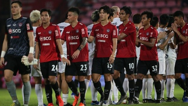 Đội bóng chủ quản ngăn hàng loạt đồng đội của Văn Lâm lên tuyển Thái Lan vì phong độ đáng xấu hổ - Ảnh 1.