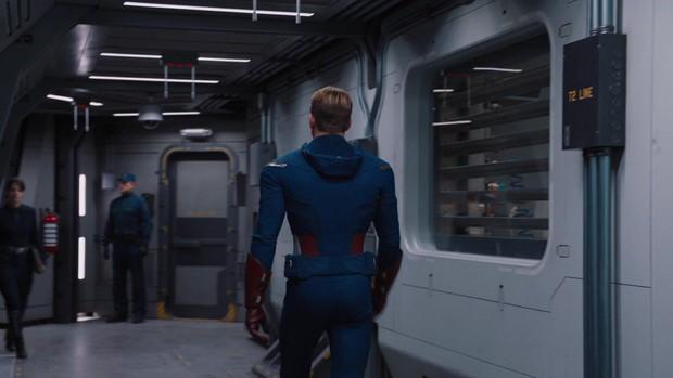 """Captain Chris Evans không chỉ sở hữu vòng 3 trứ danh mà còn khiến chị em phát cuồng vì vòng 1 ngồn ngộn đến """"bức tử"""" - Ảnh 1."""