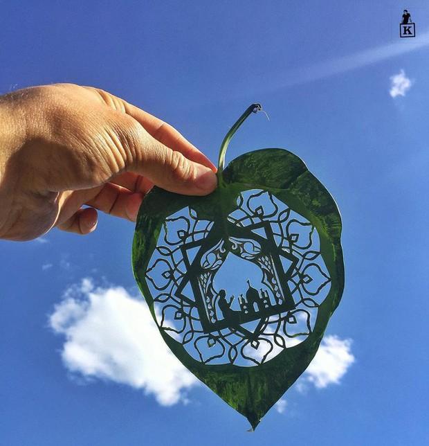 Lá rụng thường bị tống vào thùng rác, lá rụng ở Kazakhstan lại biến thành cả bầu trời nghệ thuật - Ảnh 1.