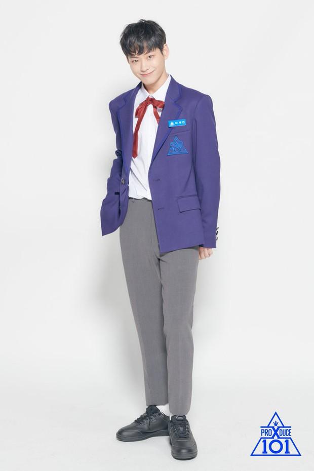 Nam thí sinh bị Produce X 101 cắt sóng vì cover nhạc của ca sĩ đang dính vào bê bối tình dục - Ảnh 4.