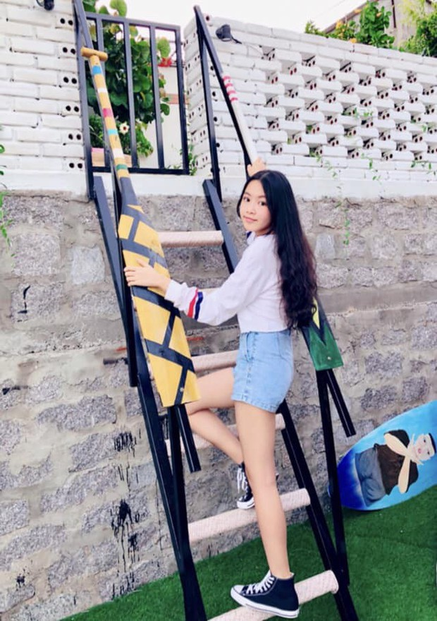 """""""Công chúa"""" 14 tuổi nhà Quyền Linh: Cao 1m7, sở hữu vẻ đẹp mong manh và được ví là bản sao của Trương Bá Chi - Ảnh 14."""