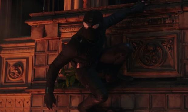 Tom Holland đóng 2 vai trong Spider-man: Far From Home: giả thuyết có nhiều Nhện đa vũ trụ là sự thật? - Ảnh 4.
