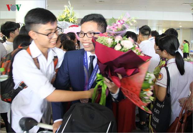 Giành 7 giải, đội tuyển Olympic Vật lý châu Á trở về trong hân hoan - Ảnh 4.