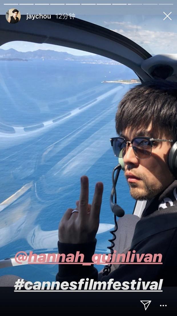 Cuồng vợ kiểu Châu Kiệt Luân: Tháp tùng bà xã bằng trực thăng riêng nhưng cải trang thành fan ngắm vợ tại Cannes - Ảnh 7.