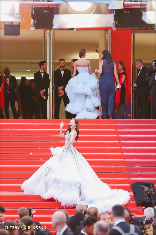 Đẹp đỉnh cao tại Cannes, nữ hoàng băng giá Jessica lại bị nhiếp ảnh gia quốc tế bóc mẽ nhan sắc quá chân thực - Ảnh 4.
