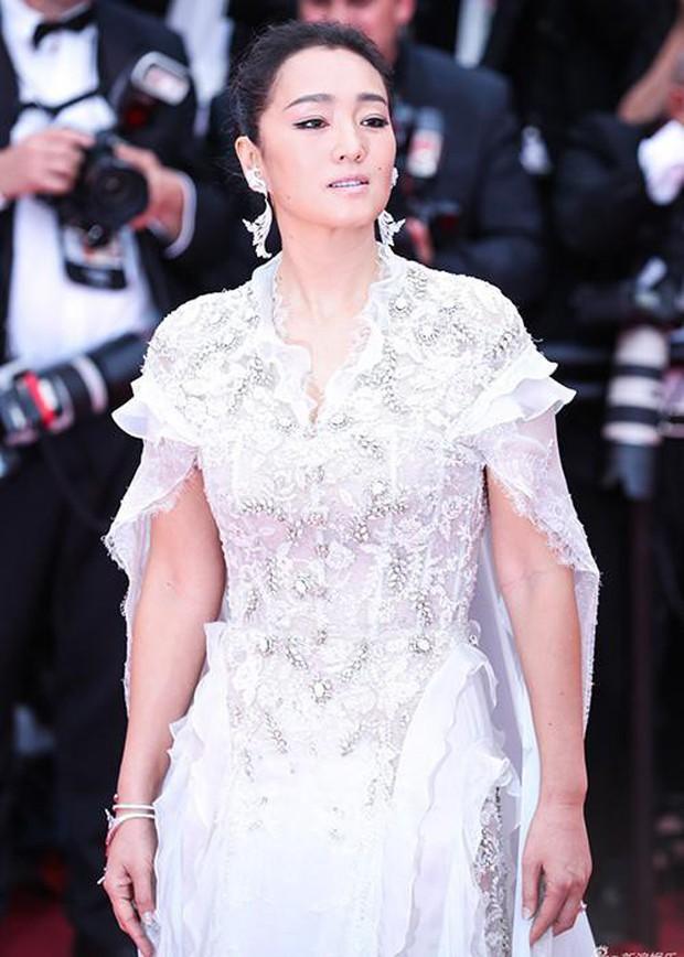 Ngoài váy vóc lụa lạ, chị em nô nức làm lố thì điện ảnh năm nay tại LHP Cannes có gì? - Ảnh 1.