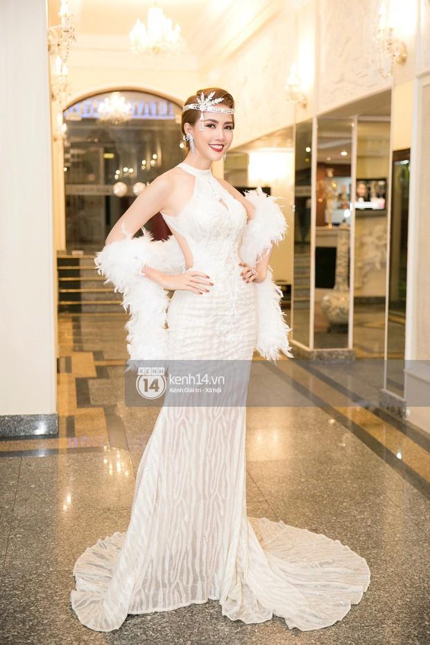 Phương Khánh để tóc mái bằng, khoe eo thon 54 cm cũng chưa chặt chém bằng mỹ nhân đeo nhẫn 5,5 tỷ đồng dự sự kiện - Ảnh 3.