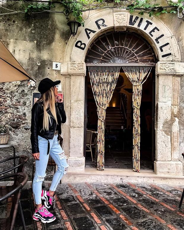 """Có gì tại hòn đảo được mệnh danh là """"thánh địa mafia"""" kì lạ hút hàng triệu du khách mỗi năm ở Ý? - Ảnh 4."""