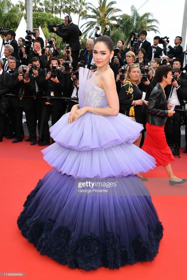 Cannes ngày đầu tiên: Phạm Băng Băng Thái Lan mới chính là mỹ nhân châu Á chặt chém nhất với thần thái bức người - Ảnh 2.