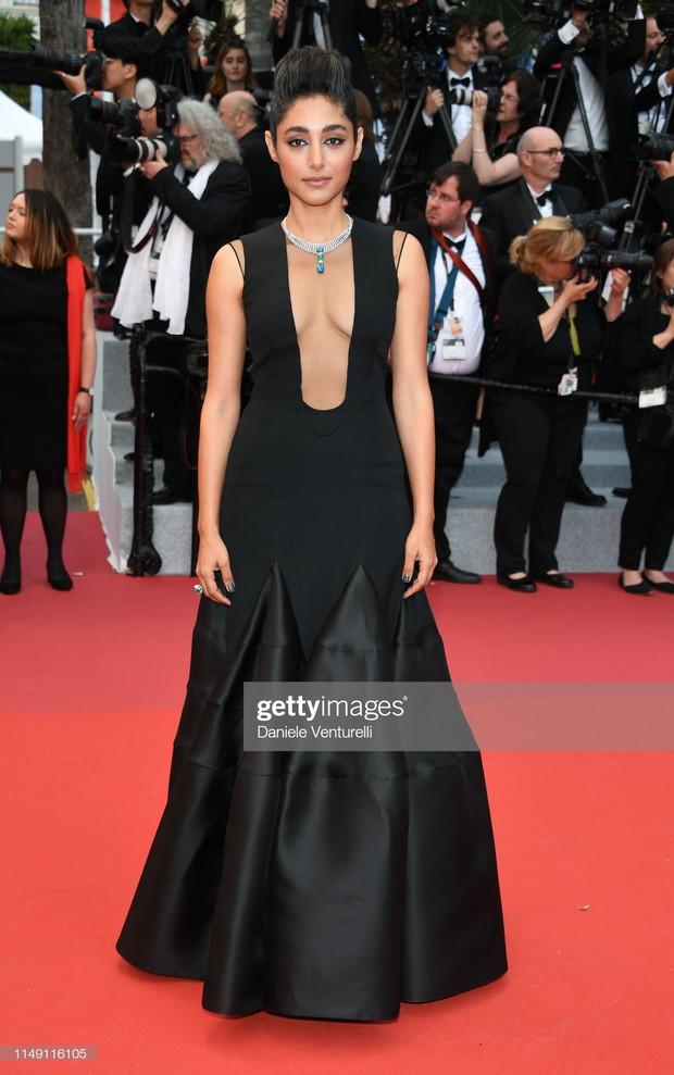 Thảm đỏ LHP Cannes 2019: Selena bức thở với vòng 1 khủng, Ella Fanning như bà hoàng bên dàn siêu mẫu Victorias Secret - Ảnh 36.