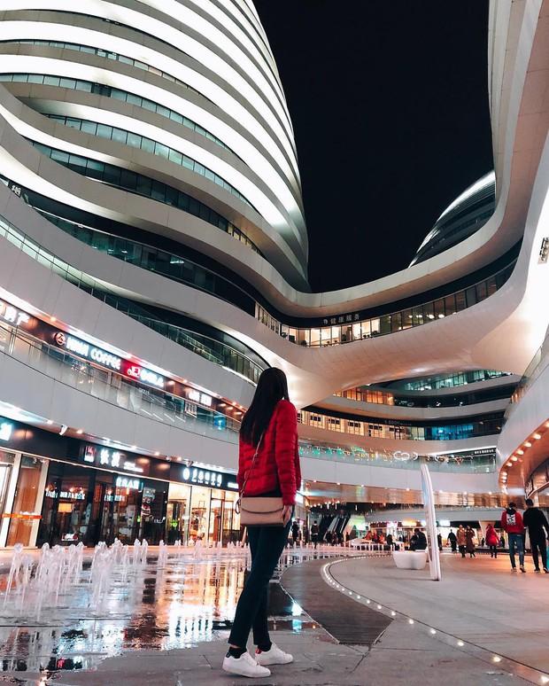 Choáng ngợp trước trung tâm thương mại hình xoắn ốc lên ảnh siêu ảo từng gây tranh cãi khắp Trung Quốc - Ảnh 3.
