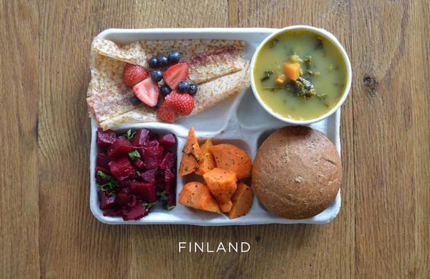 Lác mắt với bữa ăn trưa tiêu chuẩn tại trường của trẻ em trên thế giới, phụ huynh Việt trông thấy đều: Ước gì! - Ảnh 12.