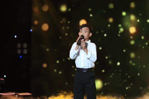 Hòa Minzy bật khóc vì học trò bị chê chọn sai bài, hát không rõ lời - Ảnh 9.