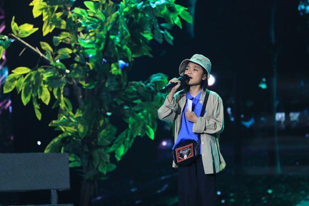 Hòa Minzy bật khóc vì học trò bị chê chọn sai bài, hát không rõ lời - Ảnh 10.