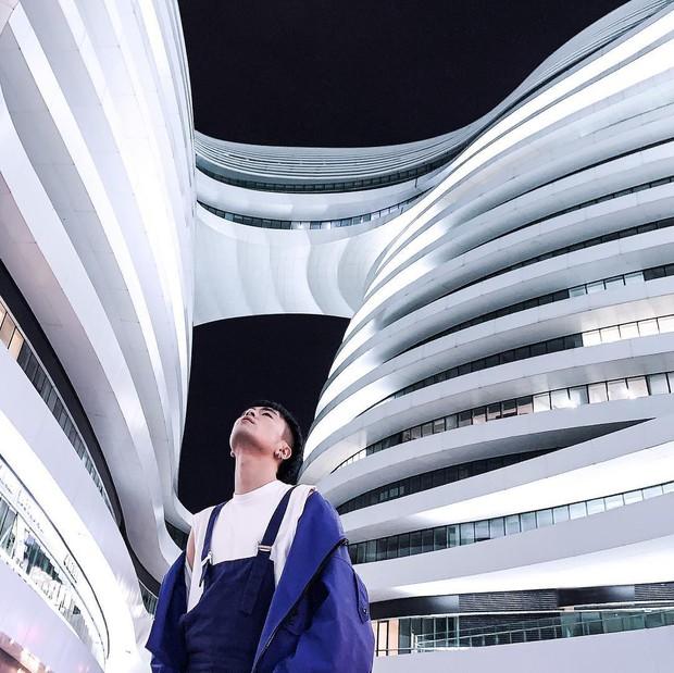 Choáng ngợp trước trung tâm thương mại hình xoắn ốc lên ảnh siêu ảo từng gây tranh cãi khắp Trung Quốc - Ảnh 16.