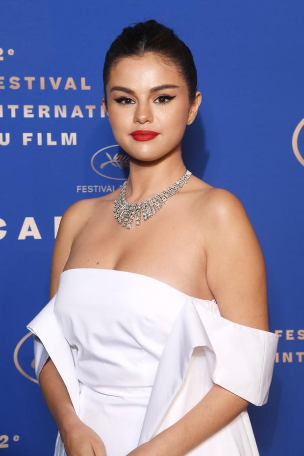 Ngoài váy vóc lụa lạ, chị em nô nức làm lố thì điện ảnh năm nay tại LHP Cannes có gì? - Ảnh 13.