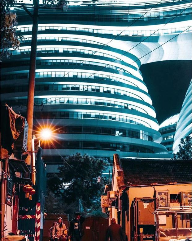 Choáng ngợp trước trung tâm thương mại hình xoắn ốc lên ảnh siêu ảo từng gây tranh cãi khắp Trung Quốc - Ảnh 9.