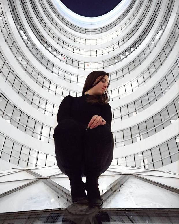 Choáng ngợp trước trung tâm thương mại hình xoắn ốc lên ảnh siêu ảo từng gây tranh cãi khắp Trung Quốc - Ảnh 14.