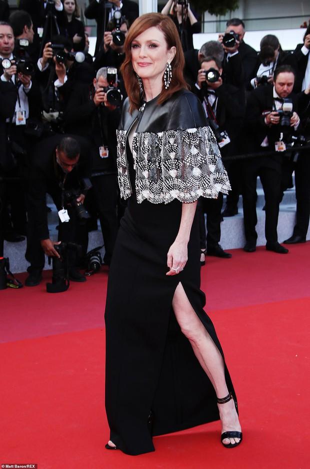 Thảm đỏ Cannes ngày 2: Thiên thần Victorias Secret suýt lộ hàng, Phạm Băng Băng Thái Lan xinh như tiên tử - Ảnh 18.