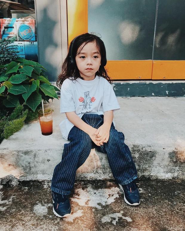 Con đạo diễn Việt Max có follow trên Instagram cao gấp đôi bố mẹ, thường xuyên bị nhầm là con gái vì lý do này! - Ảnh 4.