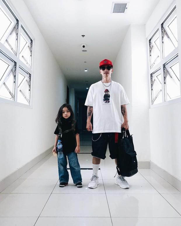 Con đạo diễn Việt Max có follow trên Instagram cao gấp đôi bố mẹ, thường xuyên bị nhầm là con gái vì lý do này! - Ảnh 2.