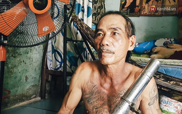 Người đàn ông được thuê đập 2 khối bê tông chứa thi thể ở Bình Dương: Tôi đoán nạn nhân là nam vì rất ít tóc - Ảnh 1.