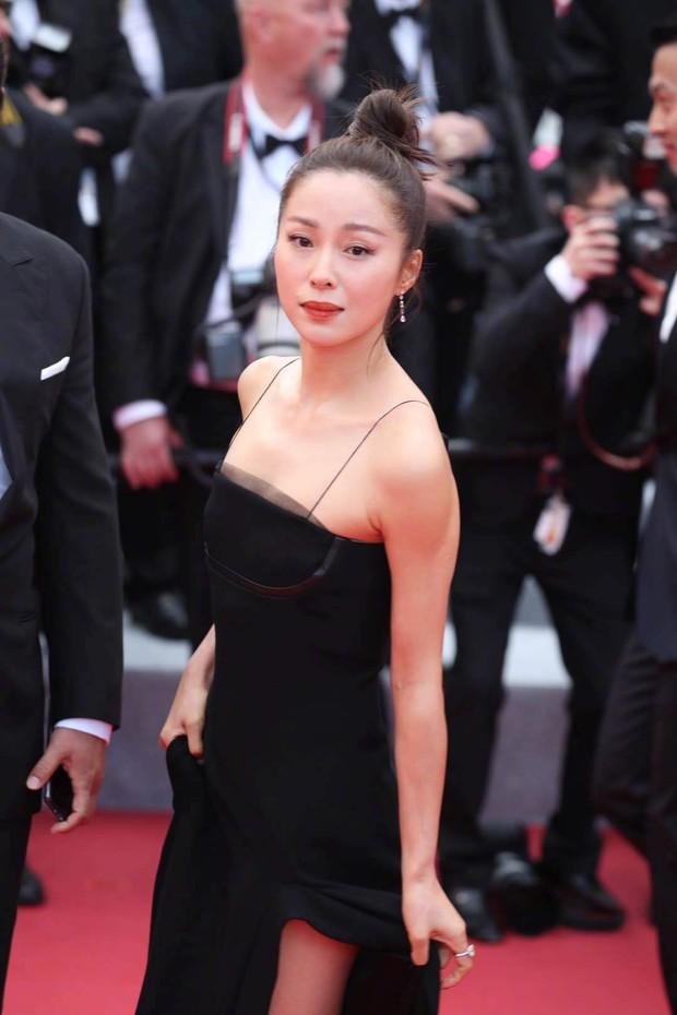 Thảm đỏ Cannes ngày 2: Thiên thần Victorias Secret suýt lộ hàng, Phạm Băng Băng Thái Lan xinh như tiên tử - Ảnh 31.