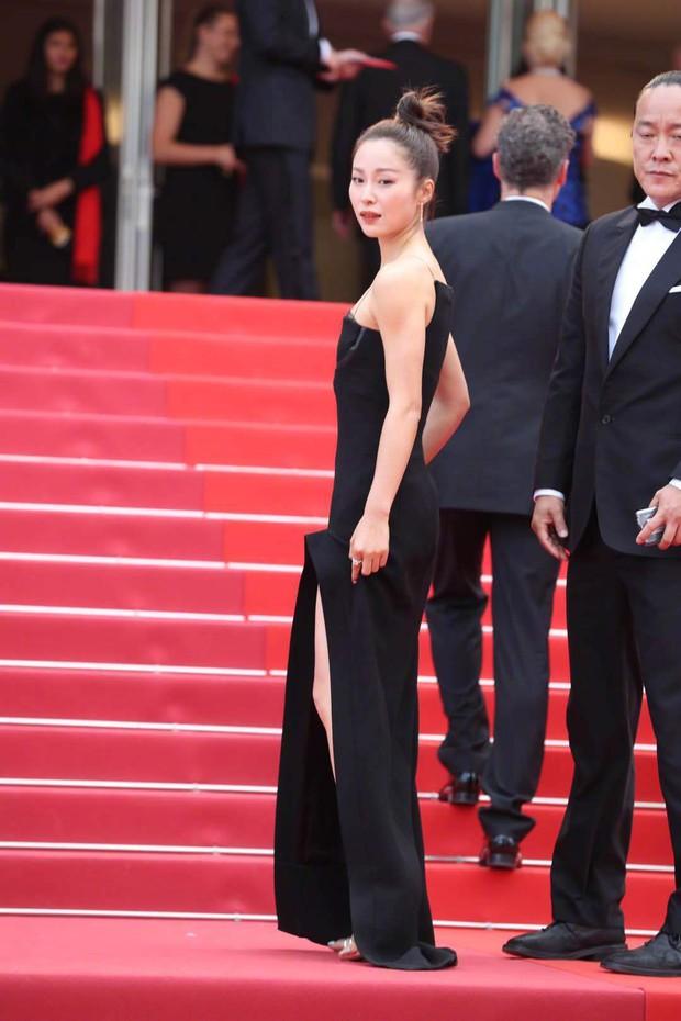Thảm đỏ Cannes ngày 2: Thiên thần Victorias Secret suýt lộ hàng, Phạm Băng Băng Thái Lan xinh như tiên tử - Ảnh 32.