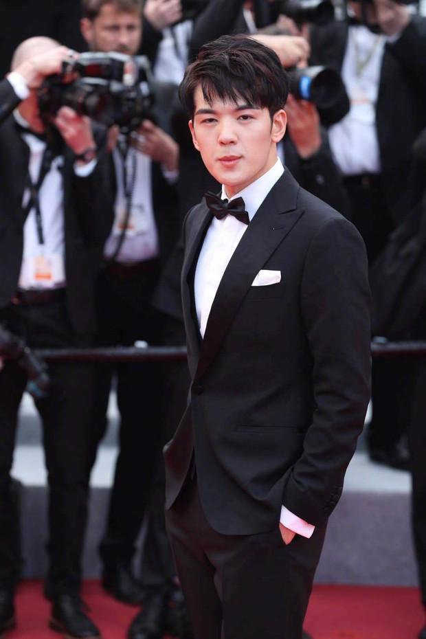Thảm đỏ Cannes ngày 2: Thiên thần Victorias Secret suýt lộ hàng, Phạm Băng Băng Thái Lan xinh như tiên tử - Ảnh 41.