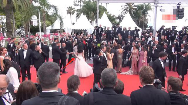 2 mỹ nhân bị đối xử một trời một vực tại Cannes: Cảnh Điềm bị xua đuổi phũ phàng, sao nữ này lại được chào đón - Ảnh 10.