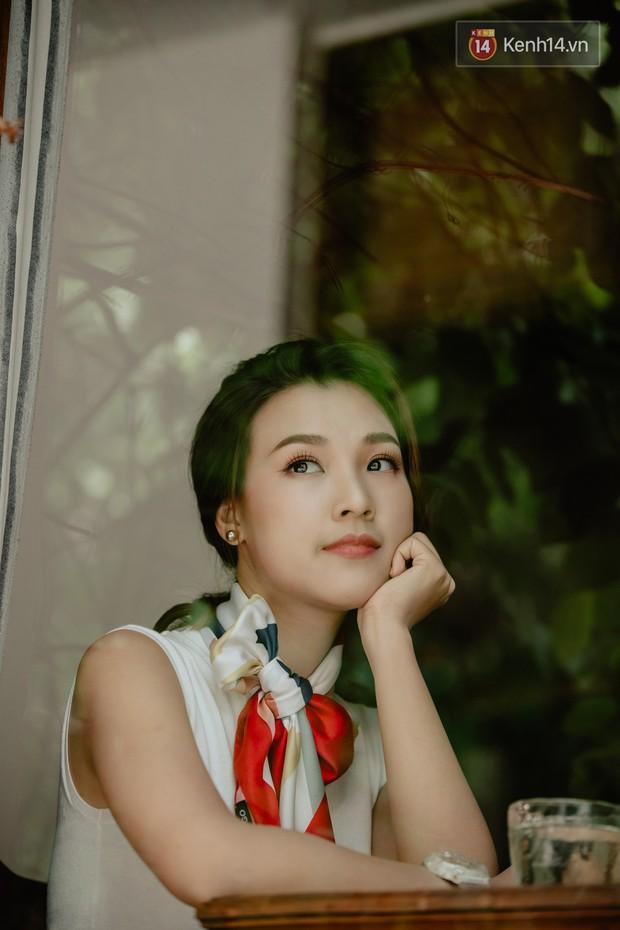 Hoàng Oanh: Năm 18 tuổi từng bỏ vai có cảnh nóng của anh Victor Vũ để giữ lấy tình yêu - Ảnh 3.