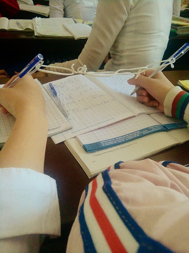Từ giờ khỏi phải lo mất bút nếu học theo cách làm bá đạo của cô bạn này - Ảnh 1.