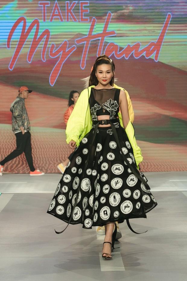 Dàn sao Việt đình đám quy tụ trong fashion show hoành tráng do Thanh Hằng làm vedette - Ảnh 18.