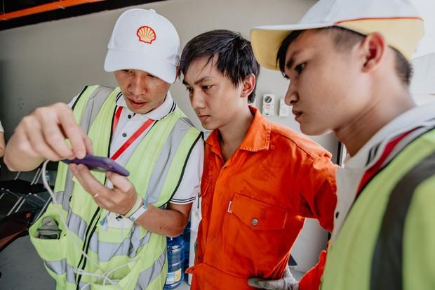 Những khoảnh khắc căng thẳng và vỡ òa trong chiến thắng của sinh viên Việt Nam tại Shell Eco-marathon 2019 - Ảnh 8.